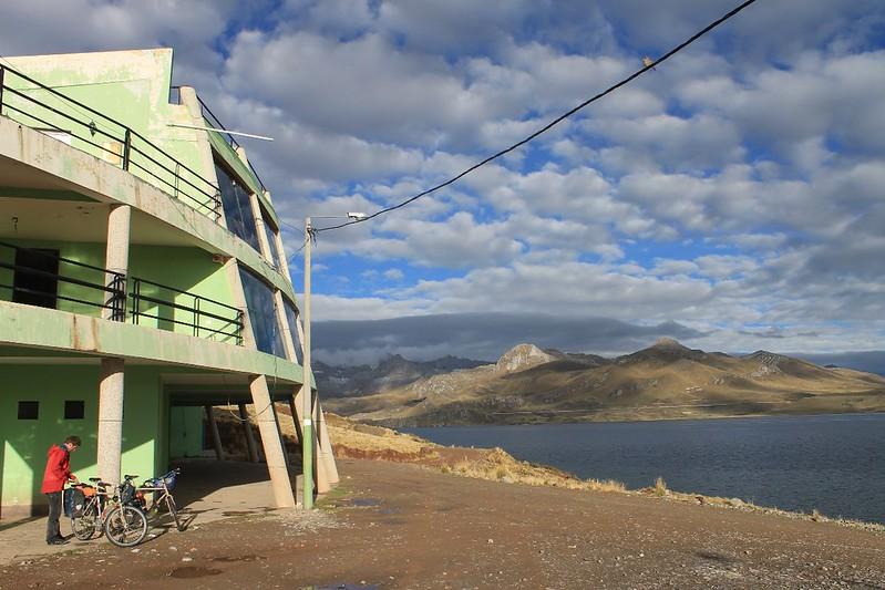 Early morning in Marcapomacocha
