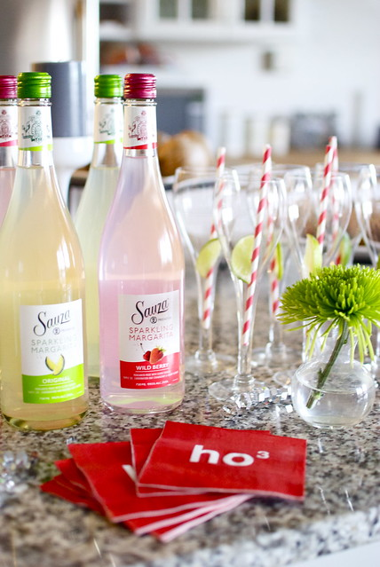 Sauza sparkling margarita, holiday party, holiday cocktail, party decor, party ideas, ready to serve