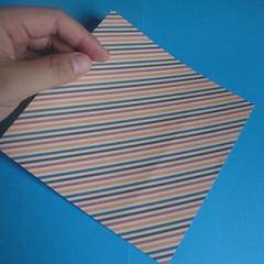 วิธีการพับกระดาษเป็นโบว์หูกระต่าย 001