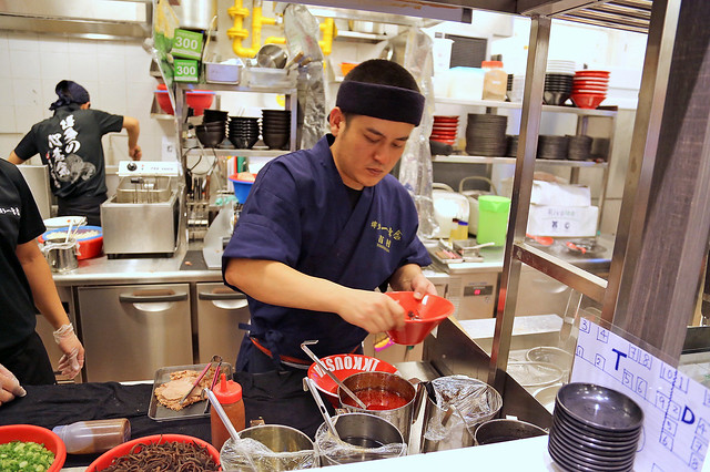 Kousuke Yoshimura, founder of Hakata Ikkousha, personally cooked the ramen for us
