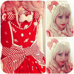 ❤️❤️❤️Love the little candies, love the big red white bow, love the bow I got as a gift with the dress ❤️❤️❤️