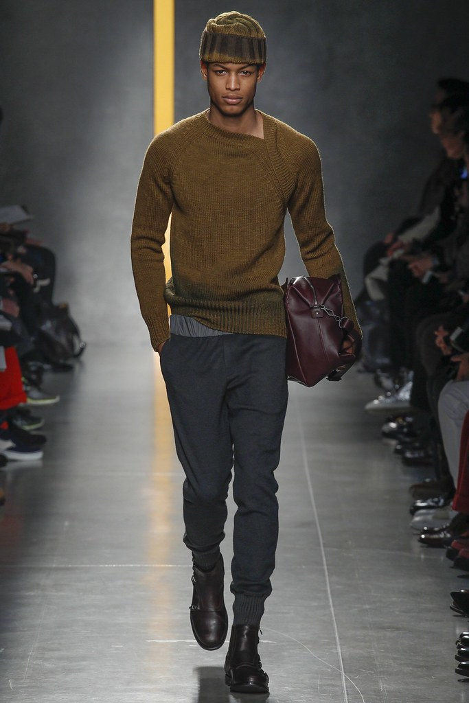 FW14 Milan Bottega Veneta027_Conrad Bromfield(VOGUE)