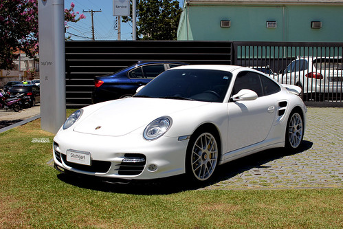 sport car hire france rent sportcar france high end classic cars for a day weekend or week. Black Bedroom Furniture Sets. Home Design Ideas