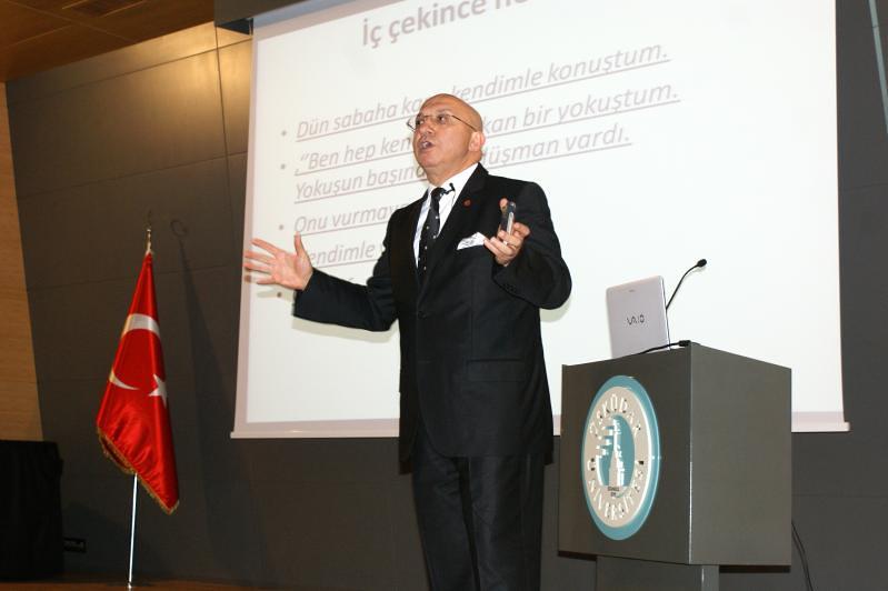 Dr. Moral Üsküdar Üniversitesi'nde