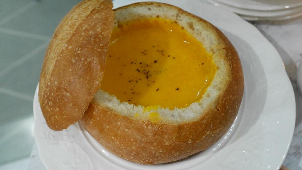 Secret pumpkin soup (S$9.60)