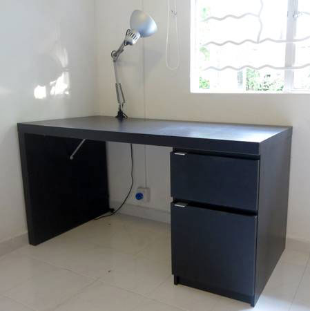 5 sets of office furniture for sale from 50 to 850 23 may 2013. Black Bedroom Furniture Sets. Home Design Ideas