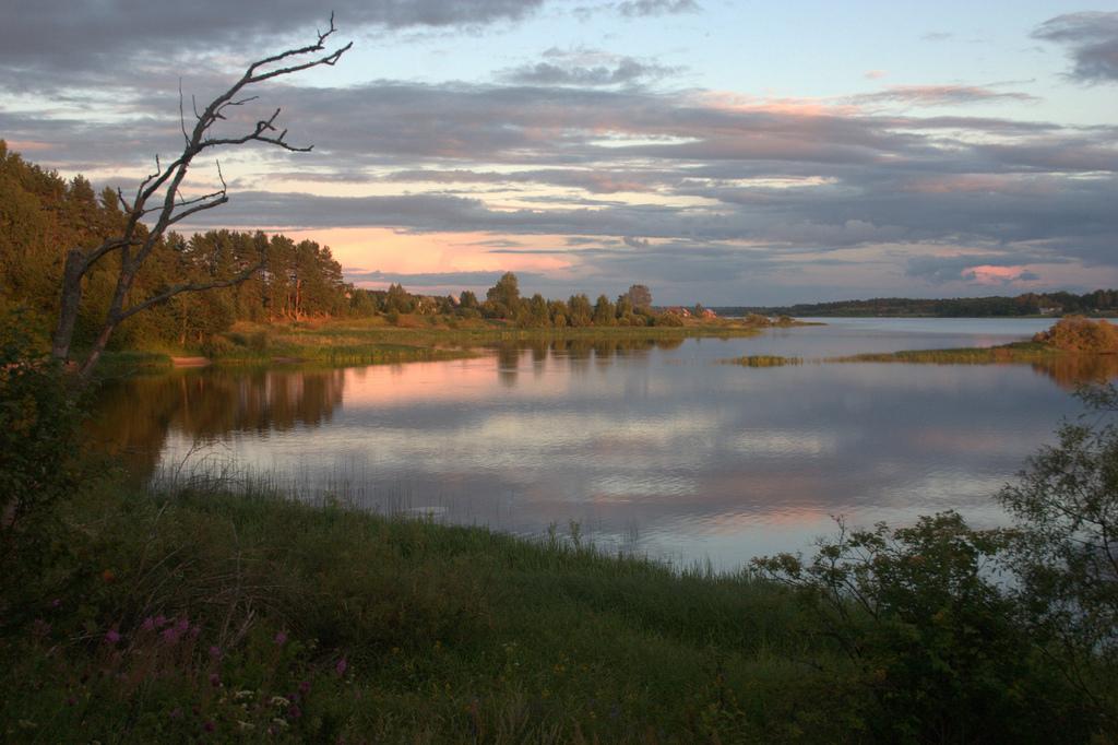 Colinas de Valdái, zona del nacimiento del río Volga. Autora, Illya Schurov