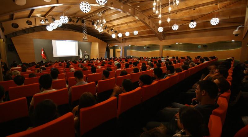 Üsküdar Üniversitesi yeni yılda öğrencilerine oryantasyon programı düzenledi