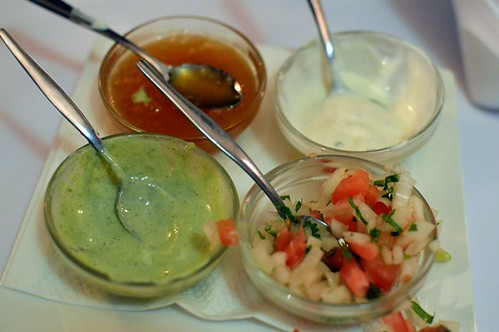 Yoghurt cucumber, fresh mint chutney, sweet mango chutney, tomato, onion & coriander