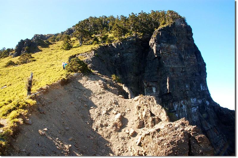 頭鷹山崩壁 1