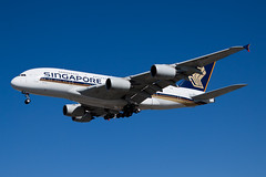 Singapore Airlines Airbus A380-800 9V-SKM