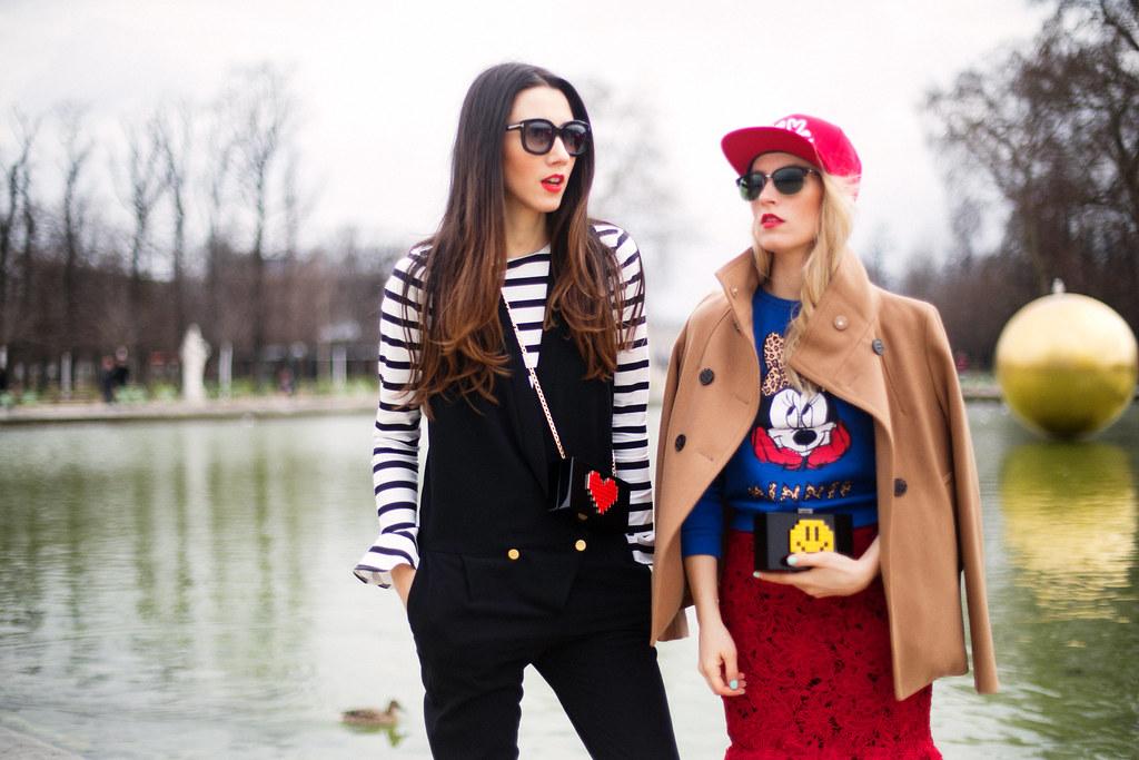 Blogger mode Paris Fashion Week poarta haina Stefanel Camel, palarie Love Me, ochelari Gucci from Optiblu, bluza top Zara Mickey, fusta Nicole Enea Lace, pantofi Coca Zaboloteanu, geanta Clutch Le Petits Joueurs, cizme Greymer, ochelari Tom Ford de la Ottica Mutti, geanta Clutch Le Petits Joueurs, bluza top Zara Stripe