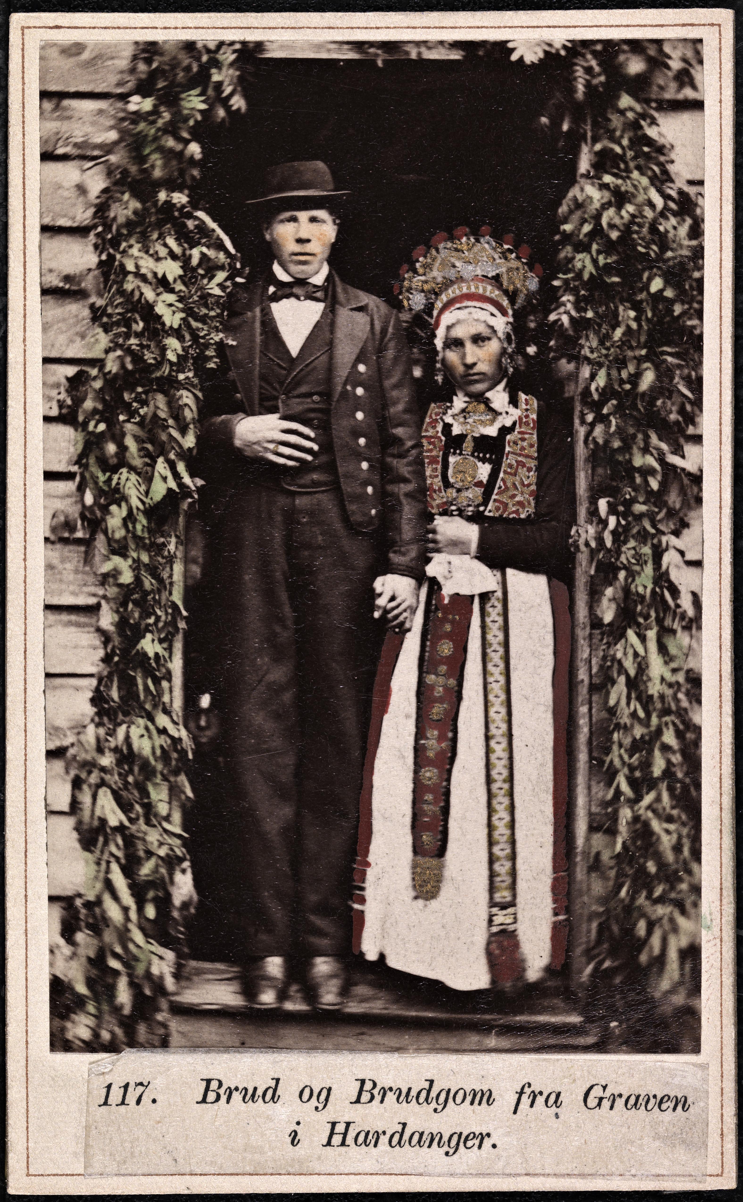117. Brud og Brudgom fra Graven i Hardanger