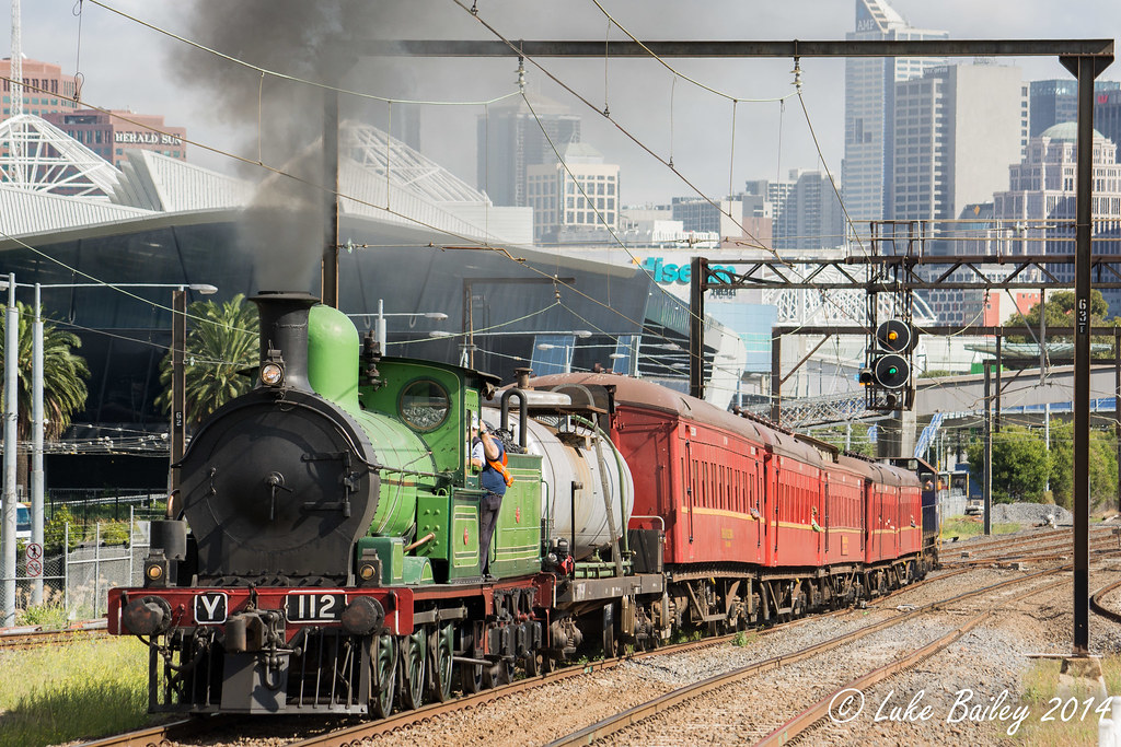 Y112 (steam) leads Y164 with Steamrail Victoria's #8873