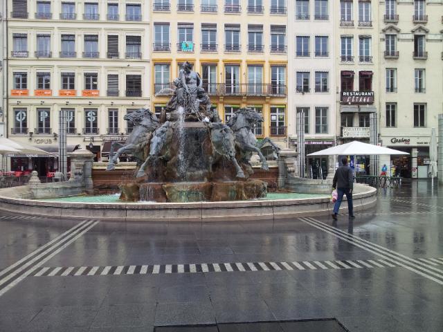 <p>02. In Lyon ist alles etwas grösser ....</p>