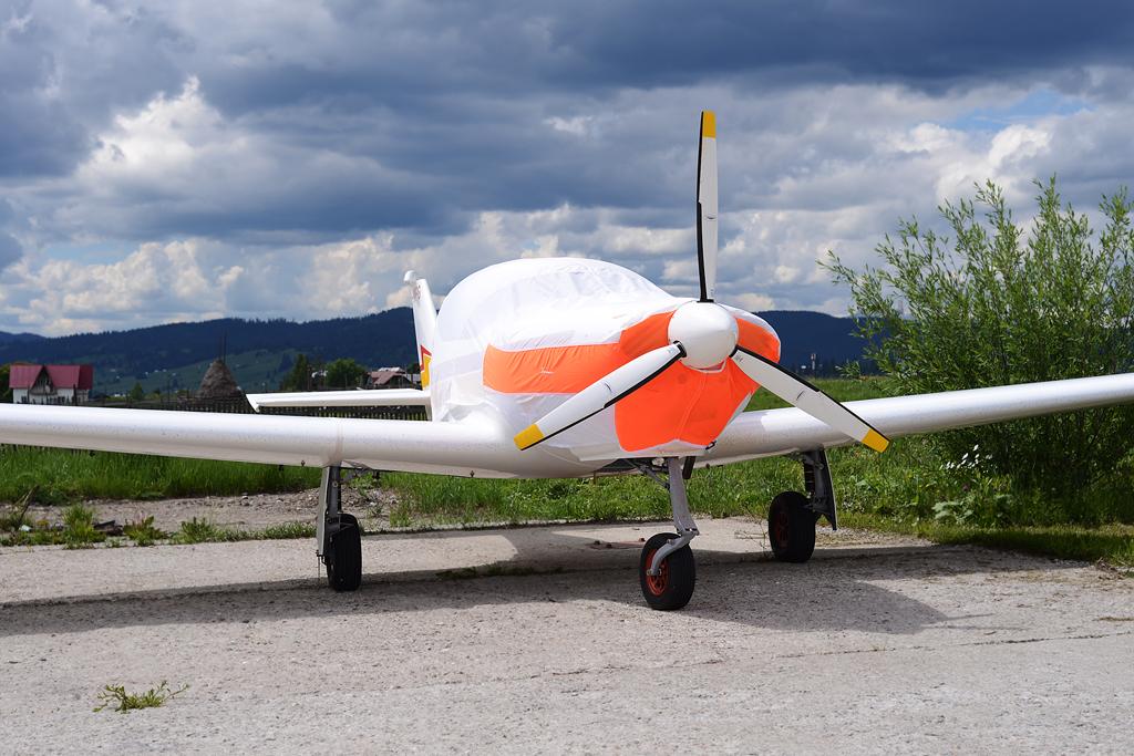 Suceava, Vatra Dornei - Aerodromul Floreni (LRFL) - Pagina 8 8926280035_d59d32b129_o