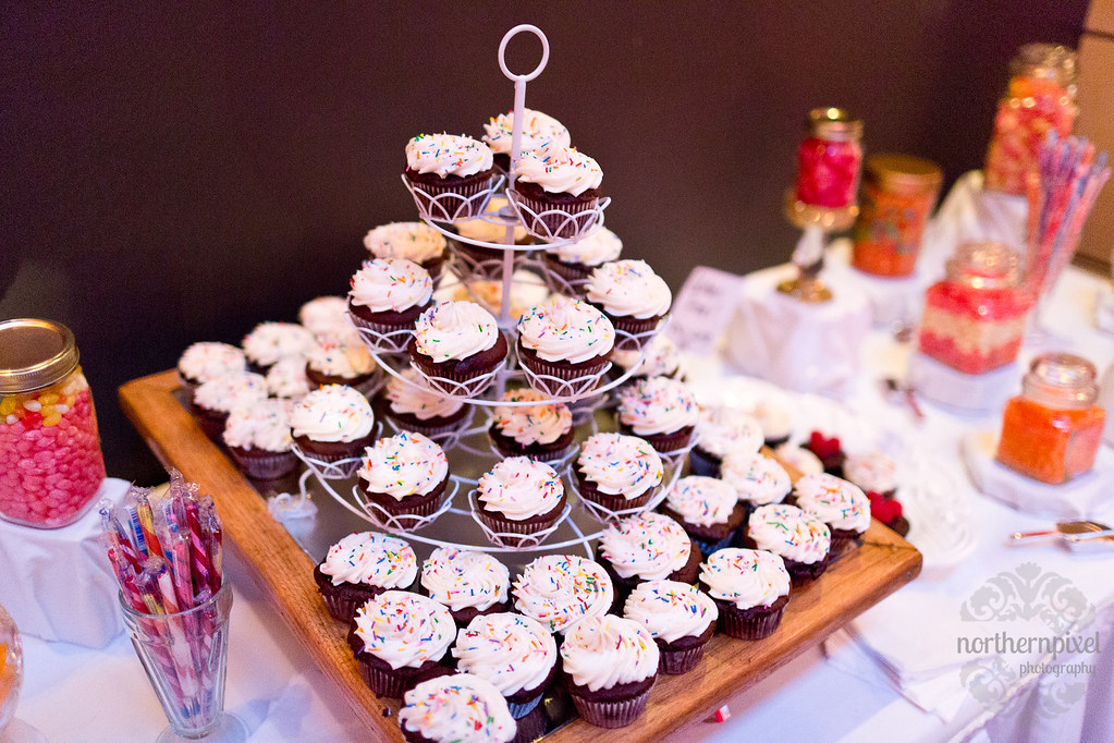 Cupcakes at the Ramada Prince George Wedding Reception