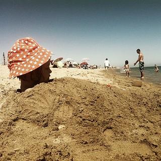 Imagen de Platja de Calafell Playa de Cal Francès. square squareformat iphoneography instagramapp uploaded:by=instagram foursquare:venue=4d8c67a8376fa1cdb7434a70