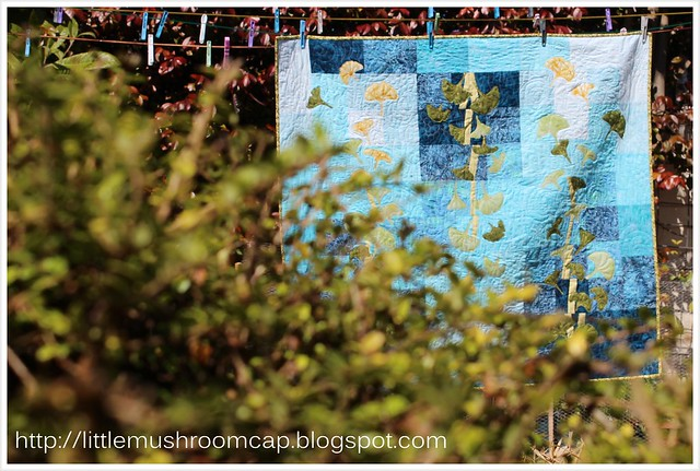 gingko blues wallllhanging quilt machine applique_corner