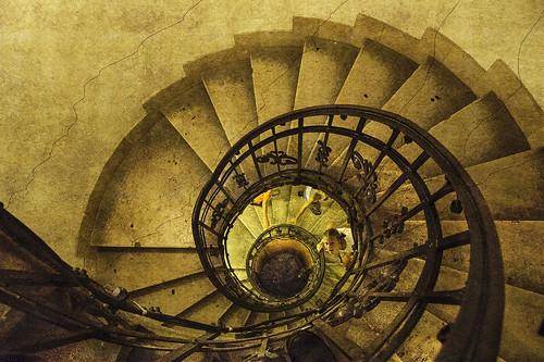 "spiral cathedral budapest catedral escalera leader ststephensbasilica escaleradecaracol basílicadesanesteban budapestcathedral flickraward5 flickraward5"" ringexcellence dblringexcellence tplringexcellence eltringexcellence catedraldebudapest spiralleader"