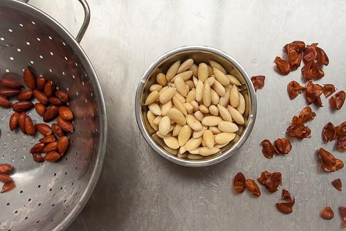 skinning almonds