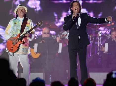 Premios Grammy Latino 2013, Carlos Santana y Carlos Vives. Foto Ethan Miller -  WireImage.com