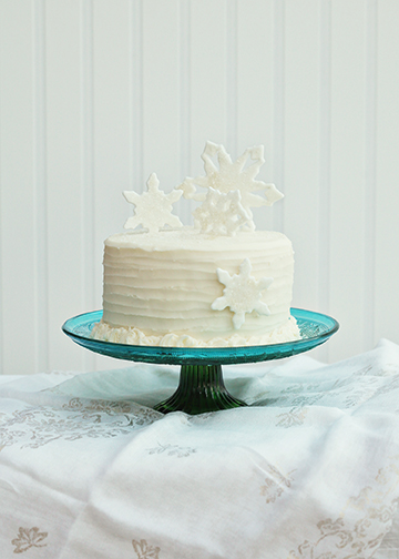 Snowflake Cake by Art of Sweet Tea Blog