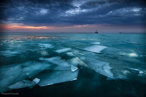 winter lake chicago cold reflection ice water clouds sunrise frozen illinois michigan iceberg hanusiak
