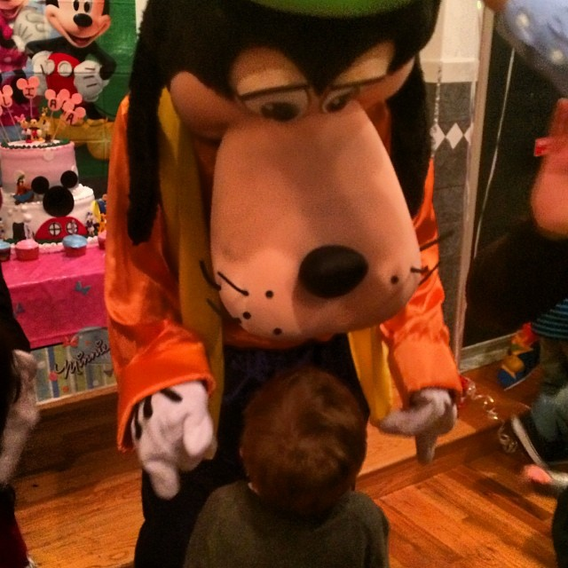 Drake in awe over goofy. #goofy