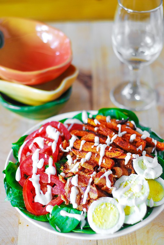 Sweet potato fry and BLT salad, sweet potato fries baked, blt spinach salad, blt recipes, blt chopped salad, bacon, lettuce, tomatoes, eggs