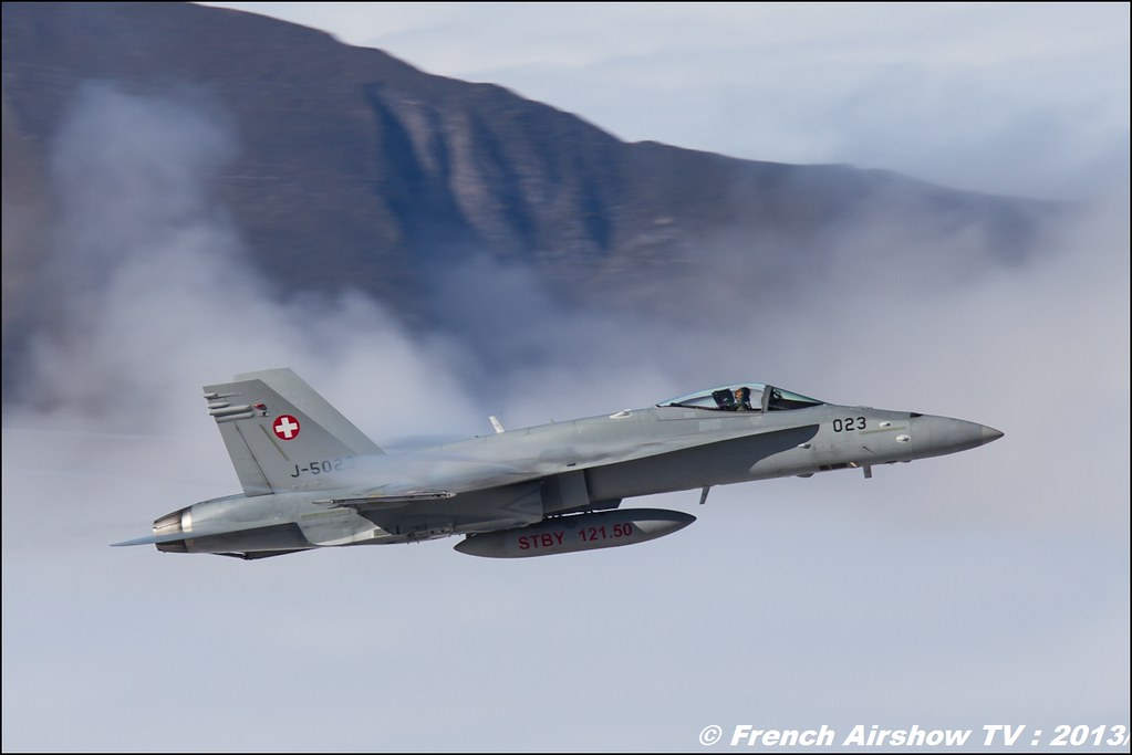 F/A-18 Hornet Exercices de tir d'aviation Axalp 2013