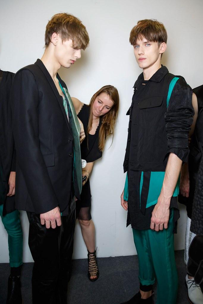 Yulian Antukh(Antuh)3203_SS16 Paris Ann Demeulemeester(fashionising.com)