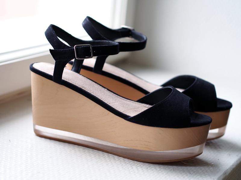 wooden flatform shoes