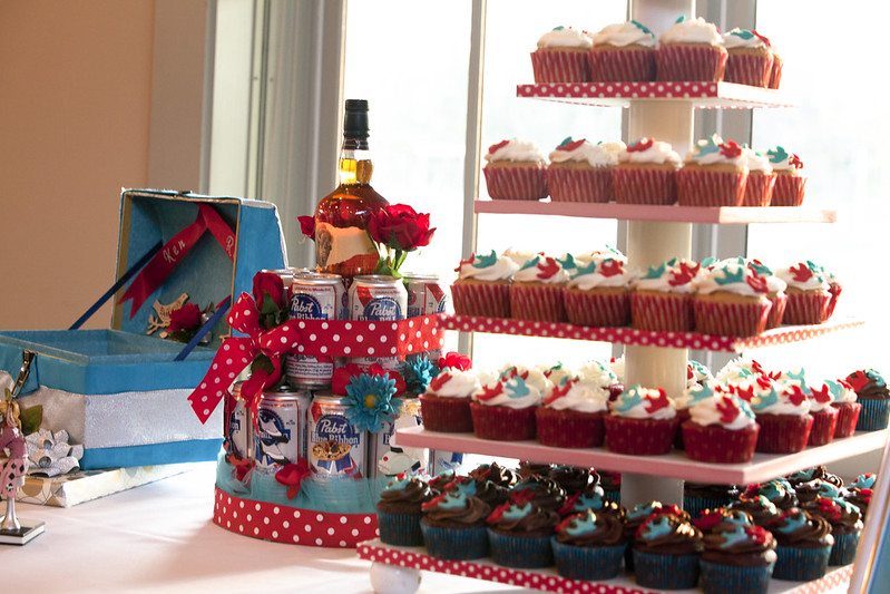"""Lots of Cupcakes and the """"Groom's Cake"""""""