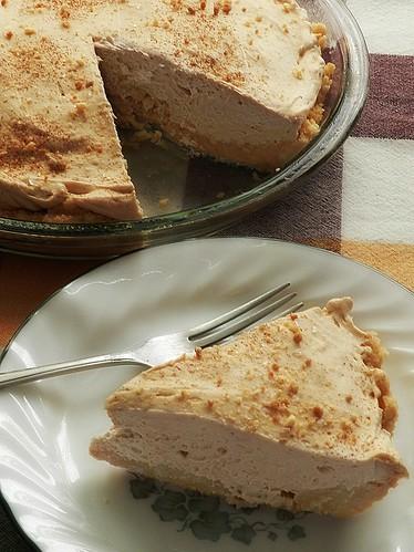 Fluffy Cookie Butter Pie