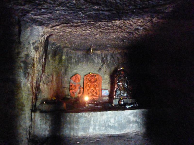 Lonad Caves - Inner chamber