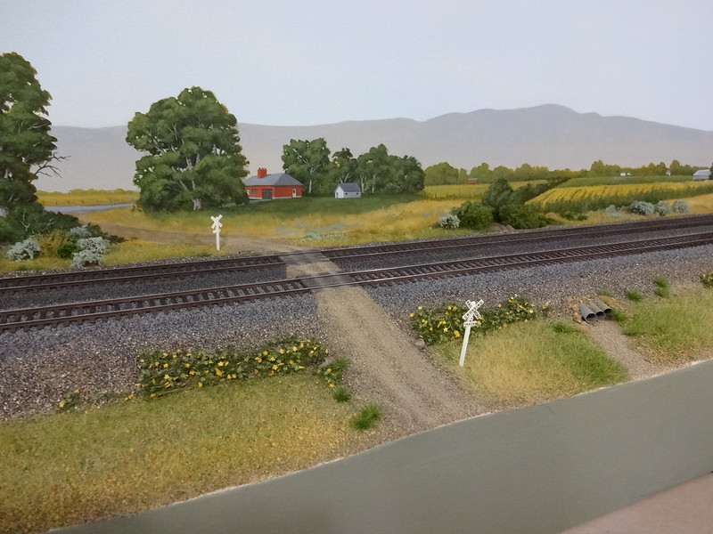 Getting real using photos on a backdrop model railroad - Model railroad backdrops ...