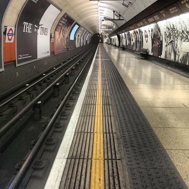 Charing Cross, 22:02