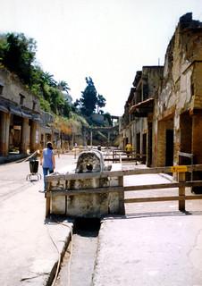 Pompeii road