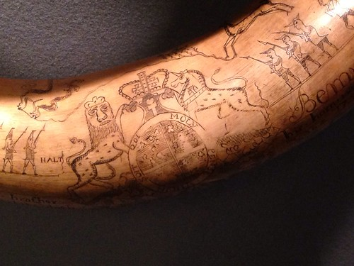 Lion and unicorn on a Jacob Gay powder horn, 1759