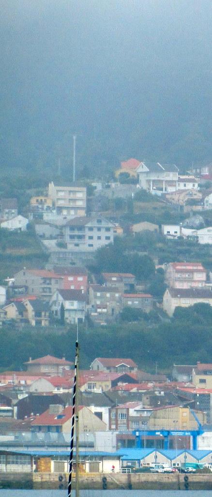 M�stil y pueblo con mar