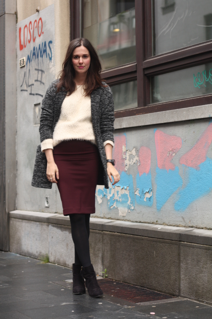 Pencil Skirt and Fluffy Sweater - THE STYLING DUTCHMAN.