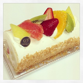 #sweet Swiss roll with fresh cream and fruits filling