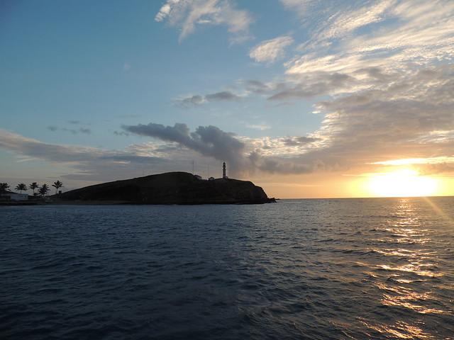 Llegada de madrugada a Abrolhos