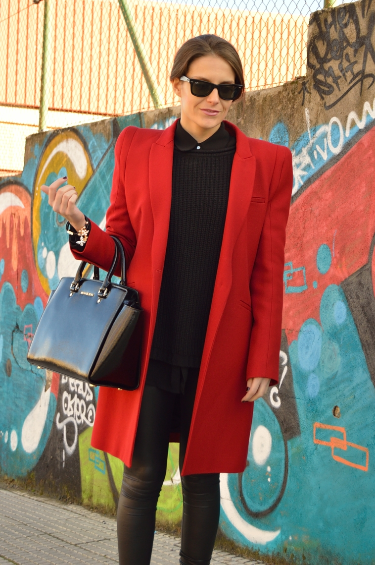 lara-vazquez-madlula-blog-fashion-style-red-coat-winter