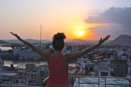 Lina salutes Udaipur's sunset