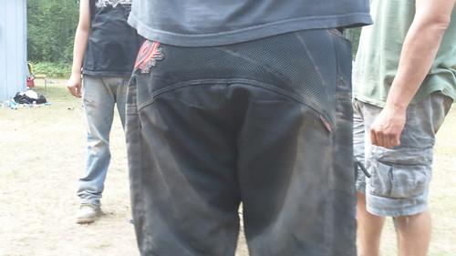 piss pants