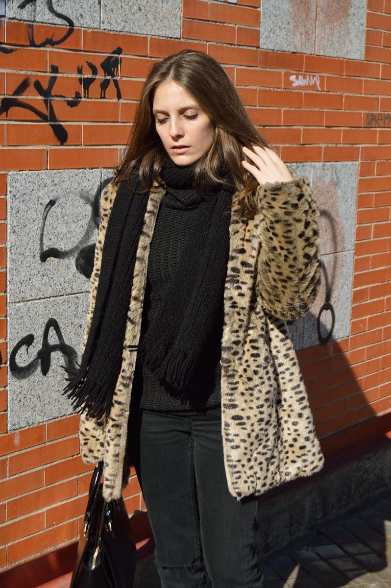 lara-vazquez-madlula-blog-leopard-black-outfit