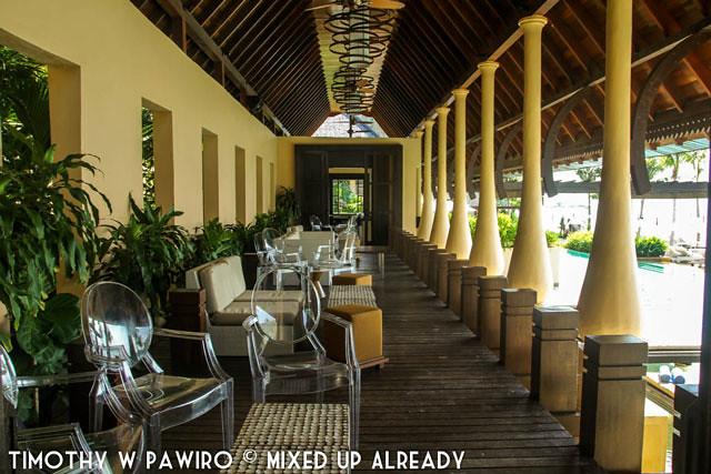 Malaysia - Kinabalu - Gaya Island Resort - Pool bar & lounge