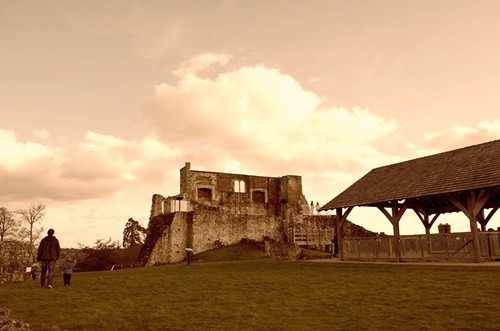 Farnham Castle by PhotoPuddle
